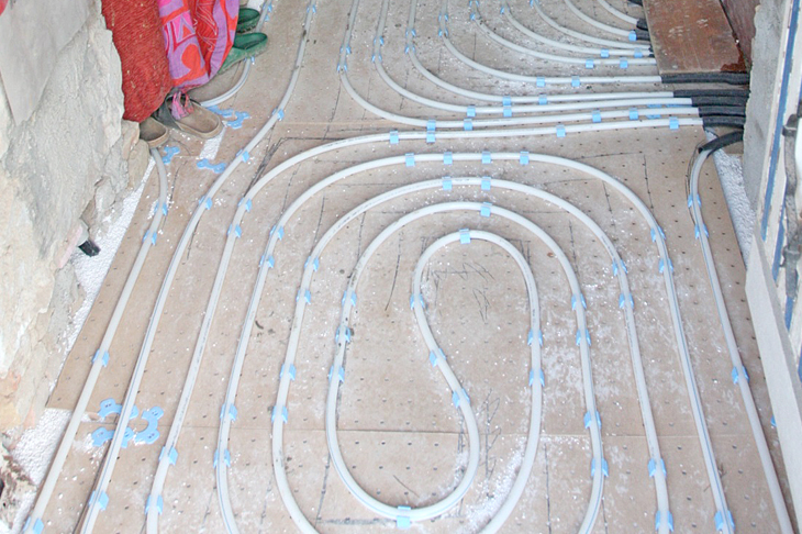 Fußbodenheizung auf Perlitschüttung