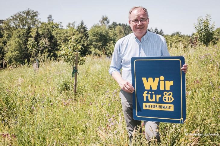 """LH-Stv. Dr. Stephan Pernkopf Schirmherr der Initiative """"Wir für Bienen"""""""